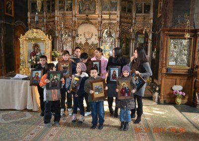 Micii iconari de la Dobroteasa