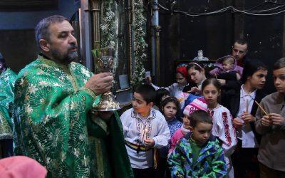 Copii la Sf. Impartasanie